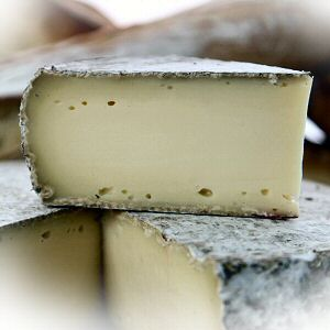 Tome des Bauges, Semi-firm French Cheese